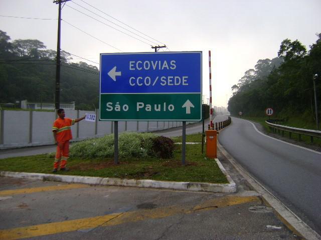 Fábrica de placas de trânsito
